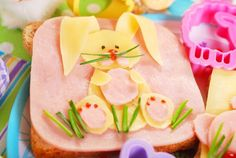 Here are some healthy Easter treats! These healthy easter recipes are fun Easter treats to make and easy Easter treats that will be loved by all ages. Easter Recipes, Holiday Recipes, Kid Sandwiches, Chocolate Delivery, Easter Lunch, Easter Food, Creative Food Art, Easter Treats, Food Humor