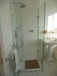 Shower ideas for small bathroom to create a enchanting bathroom design with enchanting appearance 20