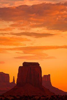 Monument Valley, Navajo Tribal Park, Arizona; photo by .Gleb Tarassenko