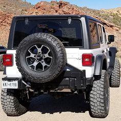 ROAM JL Side Armor Steps – Jeep Wrangler JL | ROAM OFFROAD Jeep Wrangler, Trailer Hitch Receiver, Offroad, Fox, Arms, Jeeps, Link, Jeep Wranglers, Off Road