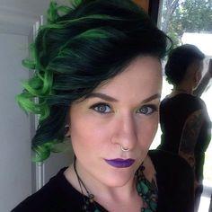 Ben jij dol op korte kapsels in een coole groene kleur? Dan ga jij deze 10 groene korte modellen helemaal geweldig vinden! - Kapsels voor haar