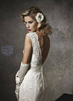 Chantilly Lace and Tulle Mermaid Cap Sleeve V-neck Neckline ...