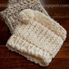 Elegant Cream Boot Cuff... These boot cuffs go with everything so they're easy to wear.  Shown with an extra small pom pom but would...