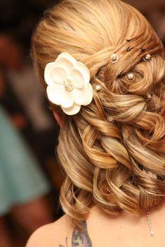 for the bridesmaids with short hair!