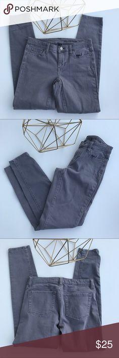 "⭐️Gap Gray Denim Premium Stretch Pants Gray Gap Jeans. 5 pockets. Great condition  91% cotton, 7% elastic, and 2% spandex. Inseam 28""/ Outseam 36""  ⭐️Gap Gray Denim Premium Stretch Pants GAP Jeans Skinny"