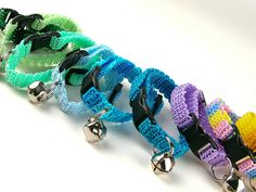 I can't seem to find a collar for our chihuahua that is small enough... I'll definitely be making these... first step: LEARN to crochet!