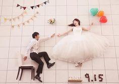 寝相アート風のウェディングフォト・結婚式前撮り写真の撮り方