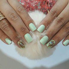 #unhasleticiadranski  #unhasdasemana  #unhasdediva  #unhasdeluxo #nails #nail #nailart #apaixonasaporunhas #viciadasemunhas #manicures #manicure #manicuresbrasil #joiasdeluxo #joiasdeunha #esmaltadas #esmaltes #esmalte #pedrariasdeluxo #pedrariastop