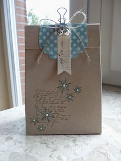 Jenny's paper world: ~ Small Christmassy bag as a thank you ~