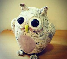 comment faire du papier maché, un hibou aux yeux grands, papier journal, gros yeux, jouet enfant