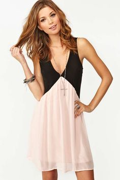 Love this entire look. necklace too. and hair. Chiffon Trapeze Dress