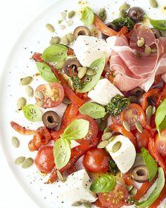 Italiaanse antipasti salade Soup Recipes, Salad Recipes, Dinner Recipes, Paleo Dinner, Healthy Breakfast Recipes, Healthy Recipes, Tapas, High Calorie Meals, Energy Snacks
