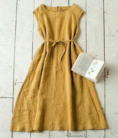 Te proponemos un vestido de lino, una prenda fácil de realizar, que no pasará de moda y que podrás lucir este verano en tus vacaciones Di...