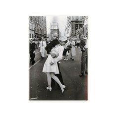 black and white pictures of people in love ❤ liked on Polyvore