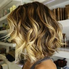 Wouldn't mind trying this sort of 'ombre' when I grow up and stop bleaching my hair..