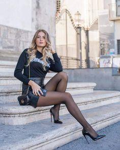 Perfect Legs, Great Legs, Beautiful Legs, Perfect Woman, Gorgeous Women, Pantyhose Outfits, Pantyhose Legs, Nylons, Pantyhose Fashion