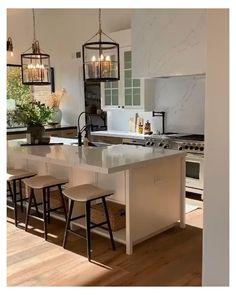 Kitchen Room Design, Kitchen Cabinet Design, Modern Kitchen Design, Home Decor Kitchen, Interior Design Kitchen, Home Kitchens, U Shape Kitchen, Peninsula Kitchen Design, American Kitchen Design