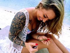 """✧Dylan✧ su Twitter: """"Stoner girls with tattoos 😍 http://t.co/C0wQXw5A54"""""""