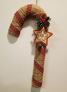 Like Making Arts And Crafts? Read Here To Make Making Things Easier - Diy Crafts Burlap Christmas Decorations, Candy Cane Decorations, Rustic Christmas, Christmas Fun, Christmas Wreaths, Holiday Decor, Christmas Ornaments, Easy Diy Crafts, Christmas Projects