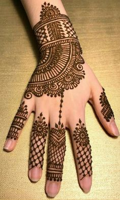 10 Best Mehndi Designs Name List Which are in Trend of 2018 Mehndi Designs Book, Floral Henna Designs, Indian Henna Designs, Mehndi Designs For Girls, Mehndi Designs For Beginners, Modern Mehndi Designs, Dulhan Mehndi Designs, Mehndi Designs For Fingers, Mehndi Patterns