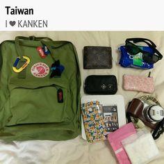 投稿《What's in your Kånken bag ?! 》徵件活動-by 張小蛙  款式: Kånken classic 綠。  說明: 走到哪背到哪..是旅行的好伙伴哦!!.小包包大空間,塞爆都沒問題!!!