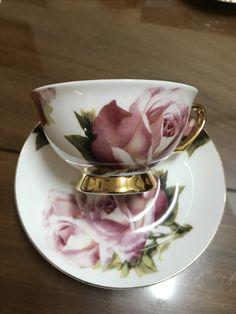 Cup and Saucer Tea Cup Set, My Cup Of Tea, Tea Cup Saucer, Tea Sets, Vintage Cups, Vintage Dishes, Vintage Tea, Teapots And Cups, Teacups