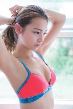 ギャル女王と呼ばれて今人気急上昇中の遠山茜子さんの水着画像をご紹介します。遠山茜子さんのプリフィールも一緒にご紹介しますのでこれを機に遠山茜子さんに注目してみて下さい。また遠山茜子さんの胸のカップも水着画像と一緒にご紹介していきます。