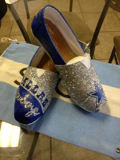 Custom Hand Painted Dallas Cowboys Toms Womens 6-1/2