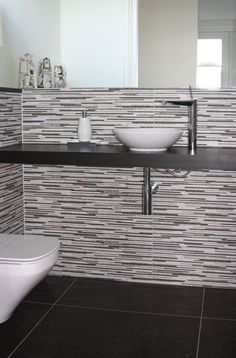 Project opgeleverd vrijstaande woning Biesbosch Werkendam - toilet - primabad - mozaiek #toilet #wc #mozaiek