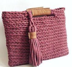 Crochet bag zpagetti diy New ideas Crochet Purse Patterns, Bag Crochet, Crochet Shell Stitch, Crochet Clutch, Crochet Motifs, Crochet Handbags, Crochet Purses, Love Crochet, Beautiful Crochet