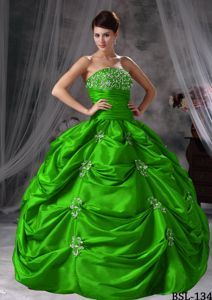 Grass Green Ruched Bodice Pick-ups Quinceanera Gowns Dresses