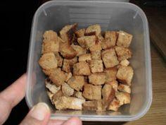 Συνταγές από το Σεντούκι της Γιαγιάς: Κρουτόν όλο γεύση Meat, Chicken, Food, Meals, Yemek, Buffalo Chicken, Eten, Rooster