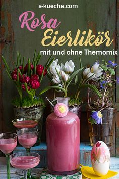 Recipe for delicious, very creamy pink eggnog colored with fruit powder. Prepared with and without Thermomix. A great gift from the kitchen, especiall Spring Recipes, Easter Recipes, Easter Ideas, Easter Drink, Coctails Recipes, 30 Minute Meals, Edible Flowers, Food And Drink, Fruit