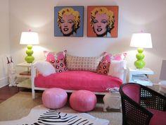 Uma sala moderna e criativa com os tons de rosa. #OutubroRosa #Decor