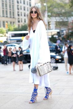 walk on vogue Fashion Corner, Cozy Fashion, Fashion Looks, Net Fashion, Street Fashion, Style Casual, Style Me, Vanity Fair, Marie Claire