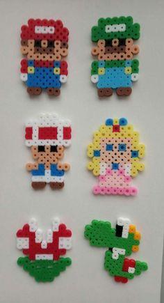 Hama Beads Mario, Diy Perler Beads, Perler Bead Art, Melty Bead Patterns, Pearler Bead Patterns, Perler Patterns, Hama Disney, Hamma Beads Ideas, Motifs Perler