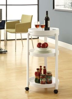 Whether indoors or outdoors, the Monarch White Bar Cart With A Serving Tray On Castors makes serving drinks easy as pie. Portable Bar Table, Kitchen Island Cart, Kitchen Carts, Kitchen Islands, Kitchen Ideas, Vintage Bar Carts, Bar Cart Styling, Serving Cart, White Bar