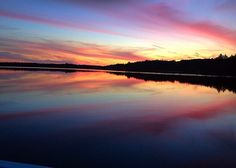 #ISEPStudyAbroad student Claudia B. captured this beautiful sunset while studying abroad at @chapmanu. #ISEPAlumni #studyabroad #travel #collegetourist #studentnomad #internationalstudentechange #sunset #lake by isepstudyabroad