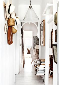 lovely interiors : a simple but powerful palette  | Nuance Design | LindyJacoby.com