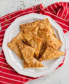 Cream Cheese Wontons Wonton Appetizers, Wonton Recipes, Appetizer Recipes, Copycat Recipes, Cream Cheese Wontons, Vegetarian Cheese, Clean Eating Snacks, Holiday Recipes, Holiday Treats