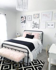 bedroom decor for small rooms \ bedroom decor ; bedroom decor for couples ; bedroom decor for small rooms ; bedroom decor ideas for women ; bedroom decor ideas for couples Gold Bedroom Decor, Small Room Bedroom, Decor Room, Bedroom Wall, Living Room Decor, Diy Bedroom, Bedroom Black, Bedroom Girls, Bedroom Colors