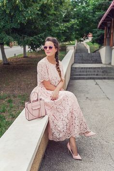 Modest outfits, modest dresses, classy outfits, fashion editor, fashion new Modest Dresses, Modest Outfits, Classy Outfits, Cute Dresses, Summer Dresses, Modesty Fashion, Fashion Dresses, Rosa Style, Lace Dress