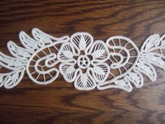 Zsinórhorgolás Needle Lace, Bobbin Lace, Filet Crochet, Crochet Lace, Piping Patterns, Bruges Lace, Romanian Lace, Lacemaking, Point Lace