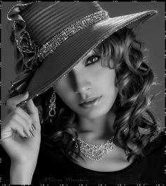 Create animated GIF by dina Black Image, Black N White Images, Black And White Colour, Gifs, Chica Gato Neko Anime, Beautiful Gif, Love Photos, Girl With Hat, Fantasy Girl