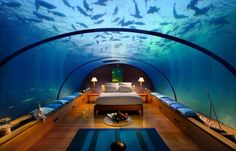 Totally wish this was my bedroom!!