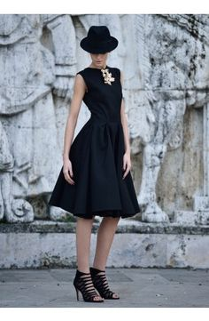 Rhea Costa Dresses are designed modern yet timeless, young yet ageless, elegant yet relaxed. The powerful details boost confidence an emphasize your femininity Cotton Dresses, Costa, Attitude, Feminine, Princess, Elegant, Shopping, Collection, Black
