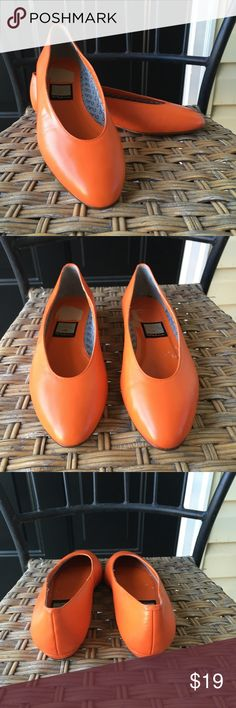 Nina Orange Flats Shoes Women's Size 8.5 Gently used - no flaws found upon inspection and photographing- see photos for description. Smoke free, pet friendly. Nina Shoes Flats & Loafers