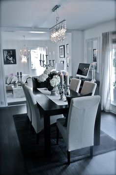 Black And White Dining Room Decor - Home Ideas Dining Room Inspiration, Home Decor Inspiration, Design Inspiration, Decor Ideas, Black And White Dining Room, Black White, White Rooms, Casa Clean, Decor Room