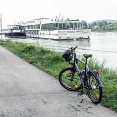 The time has come to say goodbye to Vienna and ride some days along the Danube, under a paper white sky. . . #gotiktour #bike2stars #donauradweg #jakobsweg #danube #gowest #eurovelo6 #warmshowers