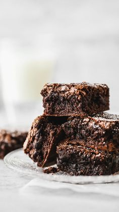 These homemade chocolate brownies are like the gourmet version of boxed brownies with the same exact texture but more flavor. They definitely live up to the name of better than boxed brownies! Homemade Fudge Brownies, Chocolate Fudge Brownies, Best Brownies, Boxed Brownies, Cheesecake Brownies, Homemade Chocolate, Chocolate Flavors, Chocolate Desserts, Chocolate Tarts